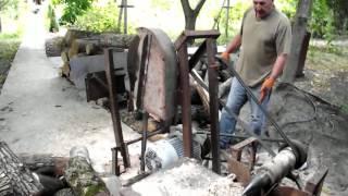 Самодельный станок для распилки и колки дров.