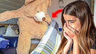 LEBENDIGER TEDDYBÄR PRANK an SCHWESTER! (sie weint)