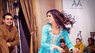 Best Mehndi Couple Dance Performance - Muna & Fahad