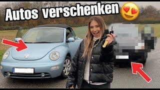 Ich VERSCHENKE Autos an Fremde 😳💵 | Bibi
