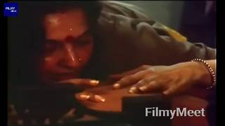 Rekha Hot Romantic Kissing Scene , Bollywood Kissing Scene