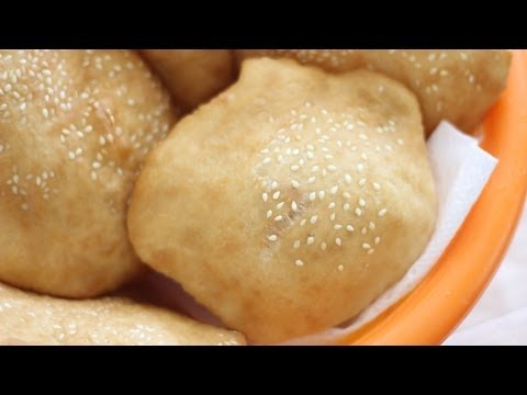 Banh Tieu (Vietnamese Hollow Doughnuts) Donuts Bread
