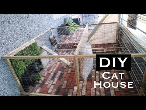 DIY INEXPENSIVE OUTDOOR CAT HOUSE