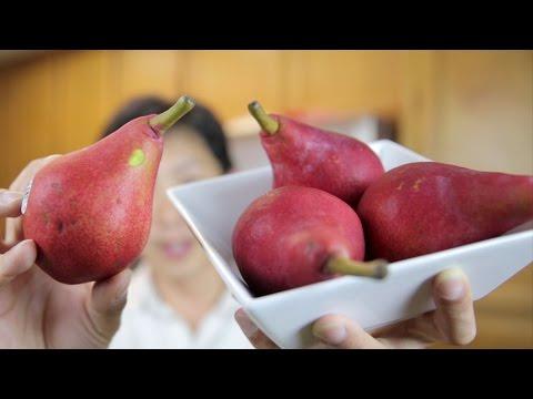 Red Pears Taste Test and Juicing   BeatTheBush