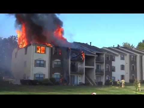 BERNARDS TWP. NEW JERSEY 2ND ALARM WORKING FIRE 9/12/16 FULLY INVOLVED TOWNHOUSE APARTMENTS