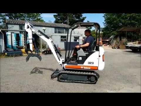 Bobcat 323 Excavator   mini digger