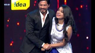 Antara Mitra Shakes A Leg With Shahrukh Khan At The Royal Stag Mirchi Music Awards