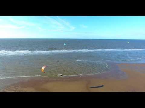 Kitesurfing 09 / 09 / 2017 Rhyl North Wales UK