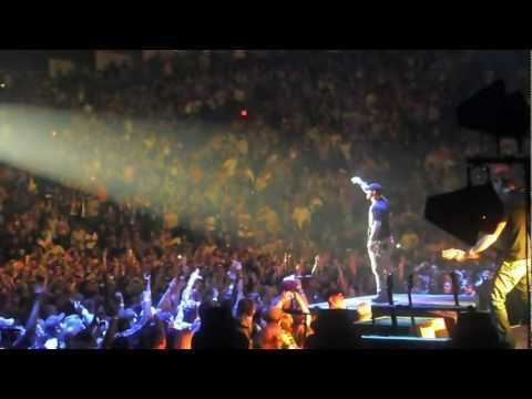 Brantley Gilbert - Kick It In The Sticks (Live)