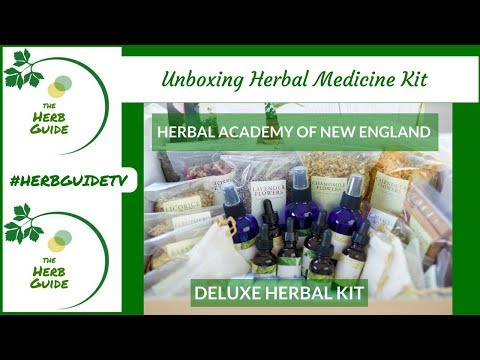 Herbal Academy Herbal Kit - Unboxing the Herbal Medicine Kit