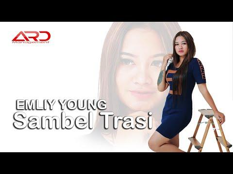 FDJ Emily Young Sambel Terasi