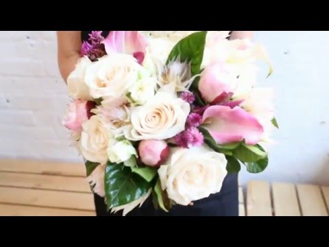 NYC Florist | How to Make a Hand-Tied Bouquet with Roses & Peonies