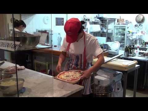 Neapolitan Pizza at Mio & Temporina (Ako City Japan)