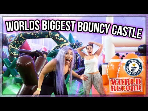 INSANE WORLDS BIGGEST BOUNCY CASTLE CHALLENGE 🤣🎪 (RECORD ATTEMPT)
