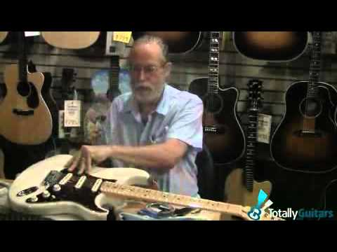 Fender Stratocaster with a floating Tremelo -- Changing Strings Pt 1