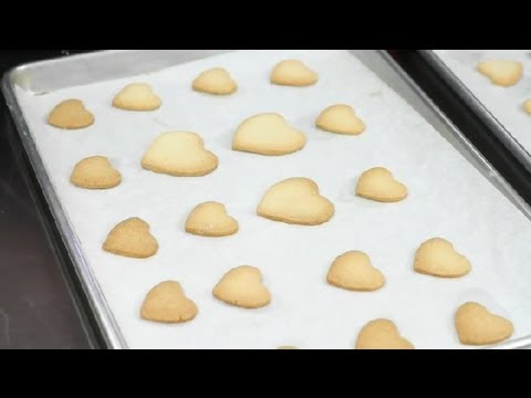 What Causes Uneven Baking in Cookies? : Desserts & Baking Tips