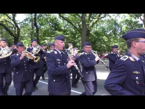 Steuben Parade~2016~NYC~German Air Force Band~NYCParadelife