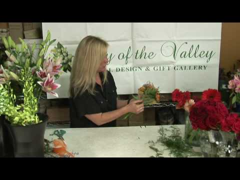 Wedding Flowers & Floral Arrangements : How to Make a Gerber Daisy Wedding Bouquet