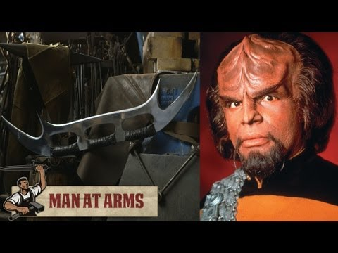 Klingon Bat'leth (Star Trek) - MAN AT ARMS