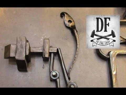 Blacksmithing Project - A Simple Nuremberg Box 11