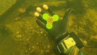 I Found a Fidget Spinner, 5 Phones and a Bike Underwater in the River! (Scuba Diving)