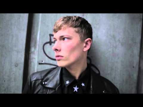 BED HEAD for Men by TIGI | HTGTL 1 min | London – Look: The Camden
