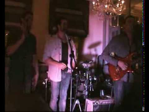 Next Of Kin Live At SugarHut Brentwood - Can't Find Me (New Single) & More Than Words (cover)