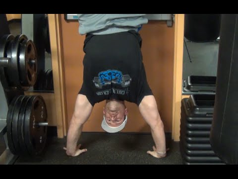 How to do a Handstand Static Hold & Push Up