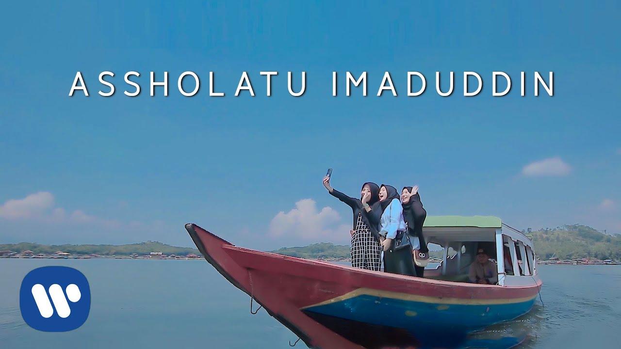 Download Putih Abu-Abu - Assholatu Imaduddin MP3 Gratis