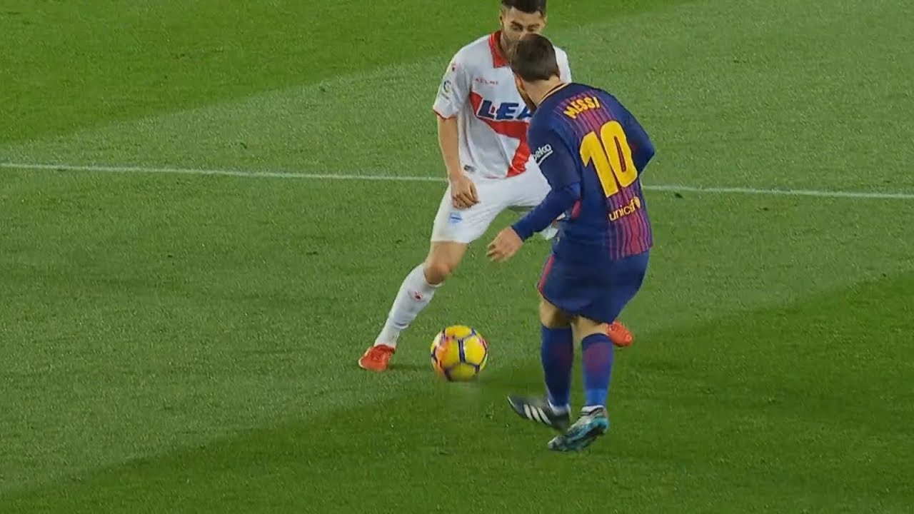 Lionel Messi ● 30 Unreal Passes That Will Impress You ► 2017/2018