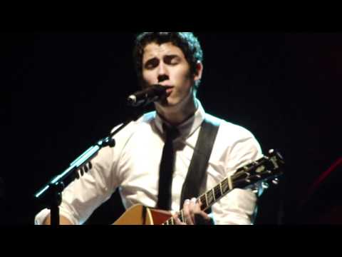 Someone Like You/Just In Love/Just The Way You Are - Nick Jonas (Live in Porto Alegre, Brazil) HD