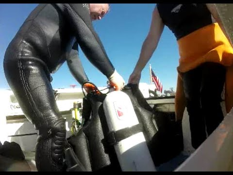 Metal Detecting / Scuba Diving a Trashy Swim Beach