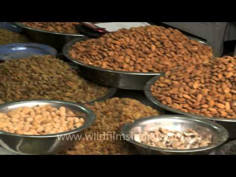 Dry fruit and spice shops in Khari Baoli