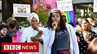 Netflix staff protest against 'transphobic' Dave Chappelle show - BBC News