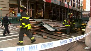 Raw: 5 Injured After Scaffolding Collapse in NY