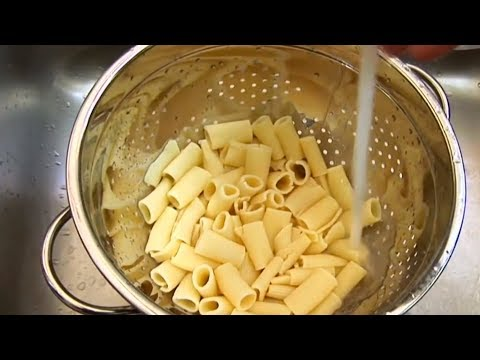 This is why you'll never drip-dry pasta with a sieve again
