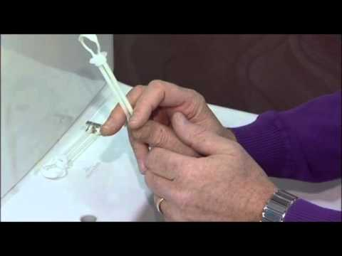 How to remove and change a Villeroy & Boch toilet seat with top fixings