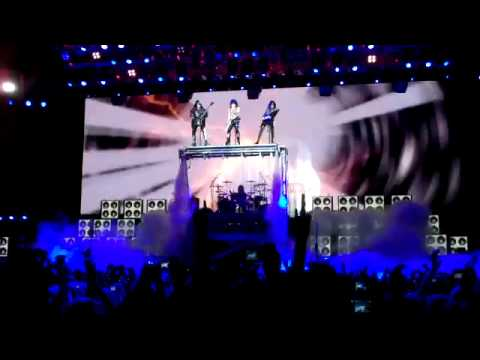 Kiss O2 Arena Dublin 2010: Opening / Modern Day Delilah