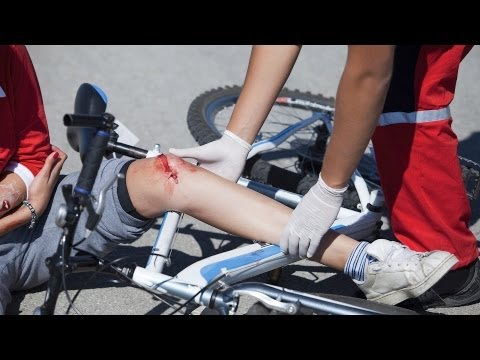 How to Treat a Puncture Wound | First Aid Training