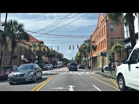 Driving Downtown - Charleston - USA