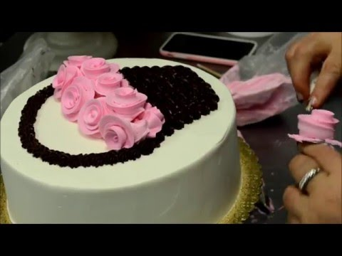 How to Make a Basket of Roses Birthday Cake