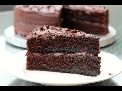 HOW TO MAKE THE BEST CHOCOLATE CAKE FROM SCRATCH
