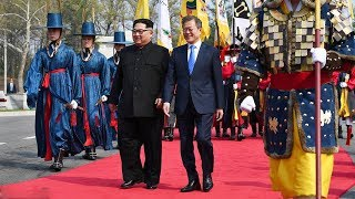 Historic Moment: Kim Jong Un and Moon Jae-in  walking on the red carpet