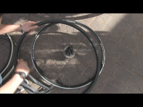 How To Change a Tyre & Tube on a Bike