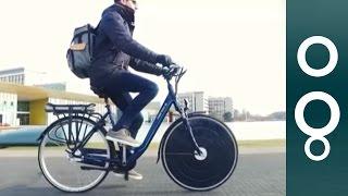 Dutch team unveils sleek solar-powered bike