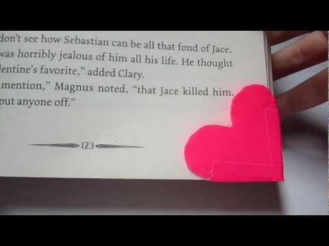 How To : Duct Tape Heart Corner Bookmark (EASY) HD