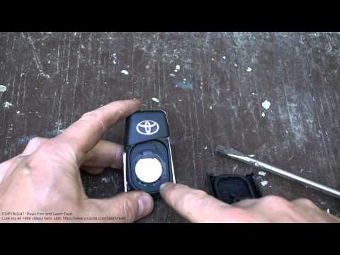 How to replace battery remote key Toyota Corolla years 2015 to 2019