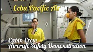 Cebu Pacific Flight Attendant #SonyXperiaZ5ompat