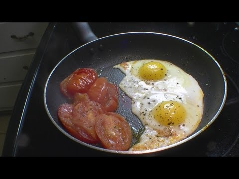 Fried  Eggs and Tomatoes Texas Style