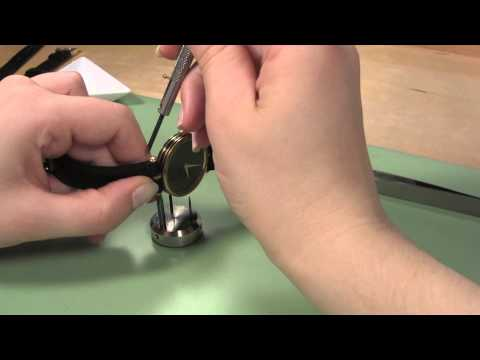How to Change a Gucci Leather Watch Band